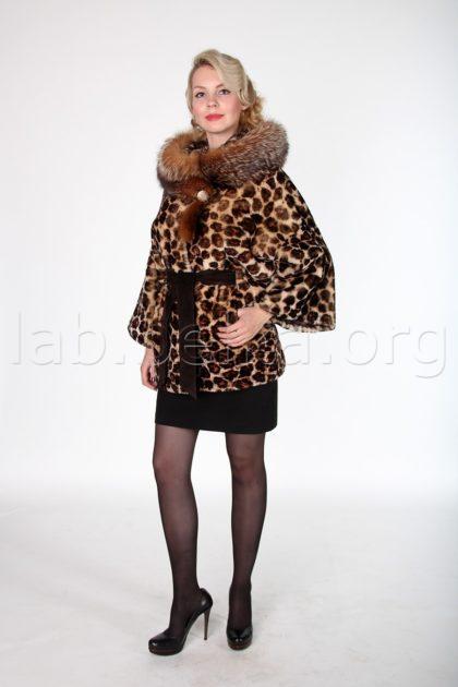 Облегченная леопардовая шуба из овчины с отделкой из меха лисы